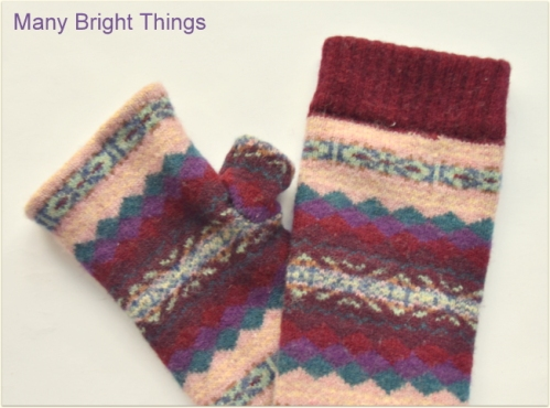 FINGERLESS-MITTENS