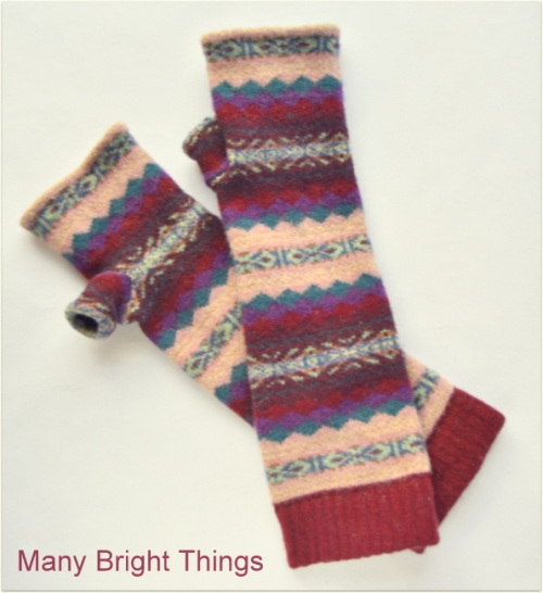 MITTENS-MADE-FROM-SOCKS